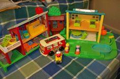 "Fisher Price Little People ""Vintage"" Neighborhood Playset, 22 pieces   eBay"