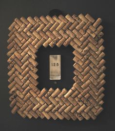 wine cork projects--wine cork frame
