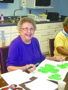 craft+art+for+seniors | Activities for Seniors with Dementia: Arts and Crafts