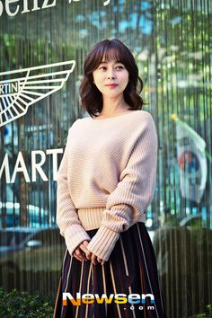 Woo Hee-jin (우희진) - Picture @ HanCinema :: The Korean Movie and Drama Database Woo Hee Jin, Korean Actresses, Drama, Turtle Neck, Gallery, Model, Sweaters, Pictures, Fashion