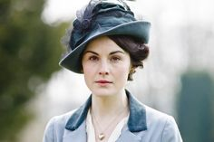 Downton Abbey Character Lady Mary | The no-makeup makeup routine, as we know, isn't easy to pull off. The ...