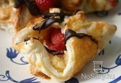 Tejberizses epres süti Kikitől:  http://www.nosalty.hu/recept/tejberizses-epres-suti