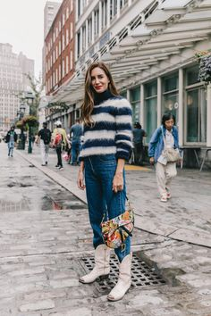 41 Wonderful Fall Outfit Ready for Women Style This Year - Fashionmgz Date Outfit Casual, Date Outfits, Casual Outfits, Eighties Style, Balloon Pants, Nyfw Street Style, Street Fashion, Street Chic, Mohair Sweater