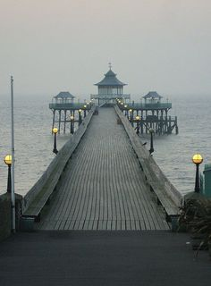 Clevedon Pier, Somerset, England - 'Never let me go' was filmed here! British Seaside, British Isles, The Places Youll Go, Places To See, Weston Super Mare, Somerset England, Beyond The Sea, English Countryside, Belleza Natural