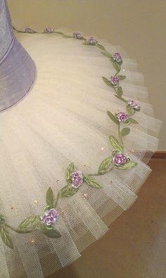 Lilac classical ballet tutu | by mongyandweasel Tutu Ballet, Ballerina Costume, Bolshoi Ballet, Dance Outfits, Dance Dresses, Sewing Ruffles, Sleeping Beauty Ballet, Ballet Russe, Boris Vallejo