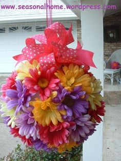 """DAISY BALL: You will need: sytrofoam ball (make sure you take your off coupon with you! of ½"""" wide ribbon (for hanging) 4 yds. of wired ribbon (for bow), glue, pipe cleaner & u-shaped wire (to secure ribbon) Styrofoam Crafts, Dollar Tree Crafts, Ikebana, Easter Tree Decorations, Spring Decorations, Easter Decor, Ceremony Decorations, Flower Ball, Nice Flower"""