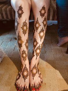 Floral Henna Designs, Henna Designs Feet, Legs Mehndi Design, Arabic Henna Designs, Stylish Mehndi Designs, Wedding Mehndi Designs, Beautiful Henna Designs, Mehndi Designs For Hands, Henna Tattoo Designs