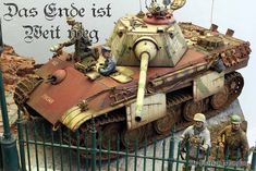 Florian Mandau shares with us some images of his diorama 'Das Ende ist weit weg' which  In English means 'The End is far away'. The Sd.Kfz.171