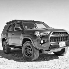 A match made in 4x4 heaven - Toyota 4Runner fitted with a Front Runner Slimline II Roof Rack.  Such a pity we don't get the car but the rack is definitely up for grabs and fits nicely onto the 4Runner's SA cousin the Fortuner. _________________________________ #4Runner #Toyota #grayscale #frontrunner #black&white #frontrunneroutfitters #everythingtoyotas #4runnersdaily #letsgoplaces #slimline2 _________________________________ Photo Credit: @p0r0y4r