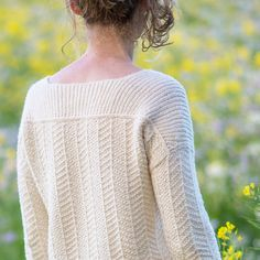Ravelry: Cullen pattern by Elizabeth Doherty Easy Sweater Knitting Patterns, Knitting Ideas, Knitting Stitches, Knitting Projects, Herringbone Braid, How To Purl Knit, How To Make Clothes, Sweater Design, Knit Fashion