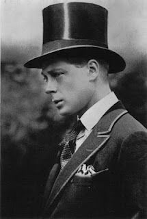 Edward VIII looks a lot like Harry, doesn't he? @Joanne Hunter Lamb they are related! Lol