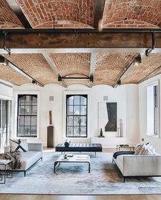 41 Awesome Brick Expose for Living Room - Let's face it: there's something about an exposed brick wall that is really, really interesting. Even if you think exposed brick is a must-have featur. Vintage Industrial Decor, Industrial Interiors, Industrial Loft, Industrial Lighting, Modern Lighting, Modern Interiors, Lighting Ideas, Decor Vintage, Kitchen Industrial