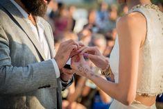 Portafolio - Lore y Matt Fotografias - Fotografos profesionales, Santiago. Holding Hands, Wedding Rings, Engagement Rings, Photography, Fashion, Santa Cruz, Santiago, Weddings, Enagement Rings