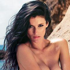 Bogotana, modelo y apasionada por la #música. Les pesentamos a Claudia Román, una de las modelos más cotizadas del momento.