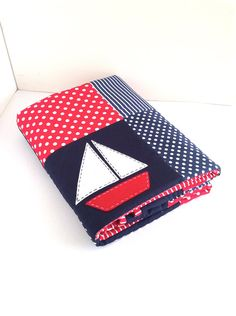 SALE....Sailing Boat Crib Quilt , Baby boy quilt..