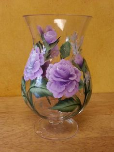 Hand Painted Glass Vase of Roses, Mothers Day gift, Housewarming gift, Bridal shower gift Vaso di rose in vetro dipinto … Painted Glass Vases, Painted Wine Bottles, Hand Painted Wine Glasses, Bottle Painting, Bottle Art, Stained Glass Paint, Glass Art, Bridal Shower, Arrow Keys