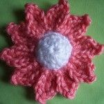 Another, but even better, free daisy pattern!