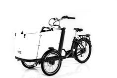 The world's most safe, sustainable, and stylish family bike is here! Complete with seatbelts and electric bike capabilities, the Ferla Family Cargo Bike is the bike your family deserves. Electric Cargo Bike, Best Electric Bikes, Fall Protection Harness, E Bike Battery, Cargo Rack, Color Dust, Bike Run, Bikes For Sale, Roll Cage