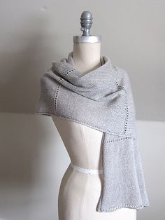Ravelry: Aisé pattern by Espace Tricot Shawl Patterns, Knitting Patterns Free, Free Pattern, Ravelry, Diy Scarf, Knit Wrap, Knitted Shawls, Knit Scarves, How To Purl Knit
