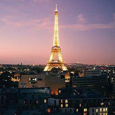 """Please take a look at @TopFrancePhoto thank you!! . La TOP photo de Paris a été prise par @ralphjessie • Après avoir regardé les photos de Paris, c'est cette photo que nous avons préférée. Merci beaucoup de l'avoir partagée! Rendez-vous sur le """"feed"""" à la une pour partager les likes #Paris #TopPhoto . TOP Paris feature is by @ralphjessi"""
