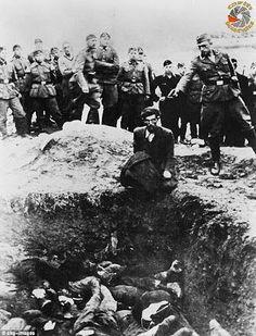 Savaş çığlıkları atmadan önce savaşın sessiz çığlıklarını dinleyin,Ukrayna,1942...