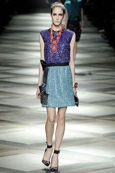 Lanvin Spring 2009 Ready-to-Wear Fashion Show - Amanda Laine