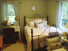 IMAGES shabby chic for teen girl bedroom | Shabby chic teen room - Bedroom Designs - Decorating Ideas - HGTV Rate ...