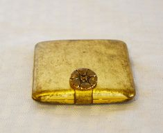 1950s Vintage Square Gold Tone Compact