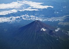 https://flic.kr/p/dex1gz | Mt. Fuji (bird's-eye view) | 山口に旅行に行ってきました。行きの飛行機で、初めて上空から富士山を見ることができました。感激!