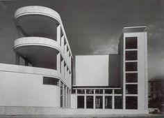 Casa del Balilla progettata dall\'architetto Luigi Moretti, Trastevere, Roma 1933.