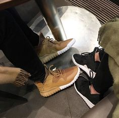 Same shoes different color 👫 Sneaker Heels, Sneakers, Walking In Heels, Beige Shoes, Workout Shoes, Buy Shoes, Beautiful Shoes, Shoe Game, Timberland Boots