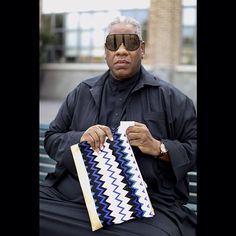 A true Icon #AndreLeonTalley #zigzagging with a customized #missoni document holder #mfw see all front row photos on missoni.com