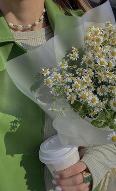 Mint Green Aesthetic, Flower Aesthetic, Summer Aesthetic, Aesthetic Photo, Aesthetic Pictures, White Aesthetic, Sage Green Wallpaper, Flower Wallpaper, Photographie Portrait Inspiration