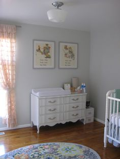 Planetary Silver By Behr Is On The Wall It Looks Light