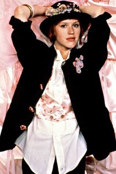 """Molly Ringwald as Andie Walsh in """"Pretty in Pink"""".my style icon during high school :) Hollywood Fashion, Classic Hollywood, Hollywood Actresses, 1980s Fashion Trends, 80s And 90s Fashion, 80s Fashion Icons, Fashion Music, Style Fashion, 80s Fashion Party"""