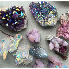 Credit to the artist Spirit Quartz // Crystal Fairy Vibes Minerals And Gemstones, Rocks And Minerals, Raw Gemstones, Crystal Magic, Crystal Healing, Crystal Aesthetic, Spirit Quartz, Beautiful Rocks, Beautiful Things