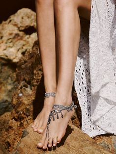 Find the perfect finishing touch for any outfit with cute ankle bracelets from Free People. This selection of gold & silver anklets has something for everyone. Isadora Duncan, Ankle Bracelets, Beaded Bracelets, Necklaces, Slave Bracelet, Ankle Chain, Sexy Toes, Bare Foot Sandals, Toe Rings