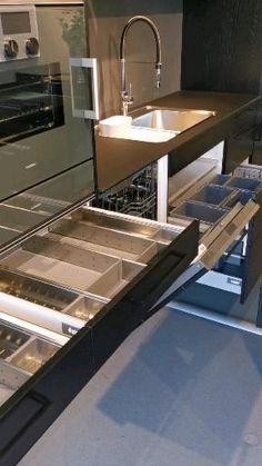 Kitchen Cupboard Designs, New Kitchen Designs, Kitchen Cabinets Decor, Condo Kitchen, Kitchen Room Design, Smart Kitchen, Modern Kitchen Design, Interior Design Kitchen, Restaurant Kitchen Design