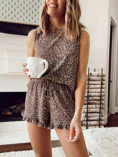 Lounge Clothes, Lounge Outfit, Lounge Wear, Casual College Outfits, Stylish Outfits, Summer Outfits, Fashion Outfits, Lazy Fashion, Boho Fashion Summer
