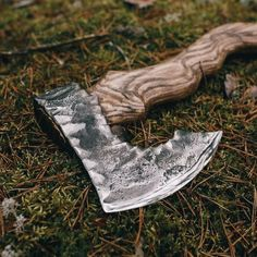 The Viking axe must be among few symbols that can honor the long gone tradition of the Vikings. Because of the close connection with the Vikings, the Viking axe carries within itself the Viking traditional culture. Knife Template, Custom Forge, Viking Axe, Dagger Knife, Battle Axe, Best Pocket Knife, Viking Jewelry, Knives And Swords, Gnomes