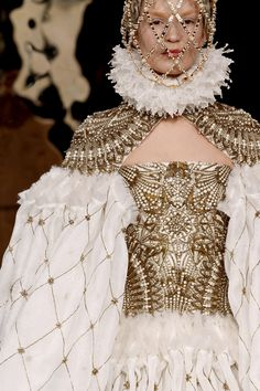 Alexander McQueen riffs Queen Bess, Autumn 2013 via Bohemea