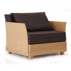 Plinio il Giovane propone Box in Bed, un'interessante poltrona letto che occupa un solo metro quadrato e che si trasforma, in un gesto, un comodo  confortevole letto.
