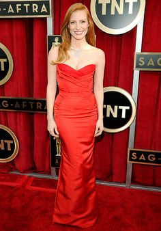 Jessica Chastain looked amazing in an Alexander McQueen gown and Harry Winston's splash diamond necklace set in platinum at the 2013 SAG Awards.