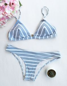 Look like the hottest thing in this Sea Of Me Stripe Bikini Set. Wow, Only $17.99! Stripe pattern and contrast color will tell you more about summer. Hit the summer beach with it at Cupshe,com