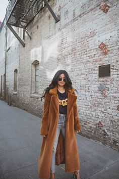 How to style a classic long faux fur teddy coat #walkinwonderland