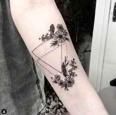 Have courage and be kind Cute Tattoos, Flower Tattoos, Body Art Tattoos, Small Tattoos, Dream Tattoos, Tatoos, Elegant Tattoos, Beautiful Tattoos, Piercing Tattoo