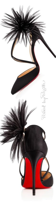 ✌ So Pretty ✌▄▄▄▄▄▄▄▄▄▄▄▄▄▄▄▄▄▄▄▄▄ Christian Louboutin Pumps now only Zapatos Shoes, Shoes Heels, Cute Shoes, Me Too Shoes, High Heels, Stilettos, Christian Louboutin Shoes, Louboutin Pumps, Beautiful Shoes