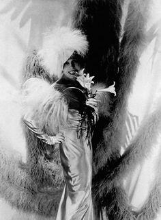 Mistinguett, Molyneux Dress, 1934 By Horst P. Horst