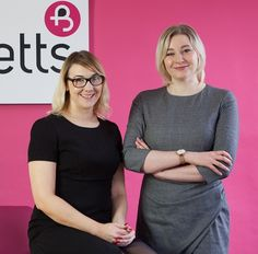 Cumbrian home-coming for employment lawyers http://www.cumbriacrack.com/wp-content/uploads/2017/03/Burnetts-Employment-Team-2.jpg Two new solicitors have come home to join the Employment & HR team of a leading Cumbrian law firm.    http://www.cumbriacrack.com/2017/03/06/cumbrian-home-coming-employment-lawyers/