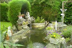 Jardin d'eau ou mare, hors-sol ou dans la continuité de votre terrasse... Voici les touches aquatiques et naturelles les plus réussies.